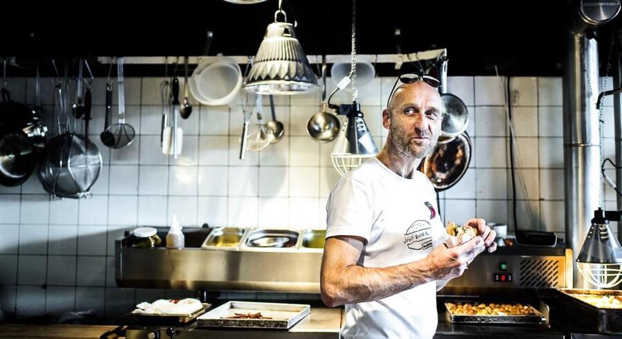 Kok Henrik Boserup i sin Juicy Burger restaurant i Kødbyen.