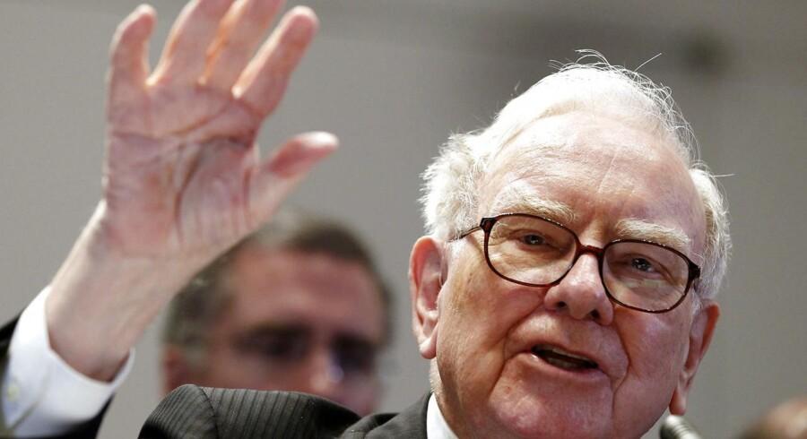 Rigmanden Warren Buffett går til angreb på de tårnhøje amerikanske omkostninger til sundhed.