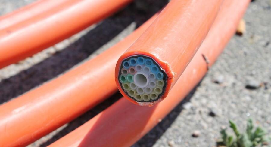 Det er navnlig udbygningen af de faste net - fibernet (på billedet), fastnet og kabel-TV-net -, som skruer investeringerne i vejret i hele Danmark. Arkivfoto: Thomas Breinstrup