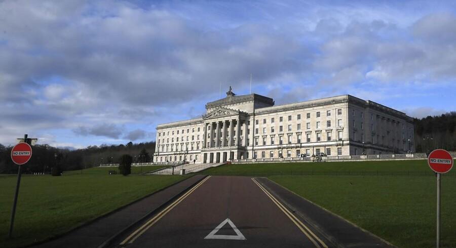 Nordirerne vælger torsdag nyt parlament. Men der er risiko for, at valget fører til et dødvande, der kaster magten i provinsen tilbage til regeringen i London. REUTERS / Toby Melville.