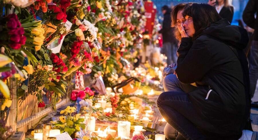 Arkivfoto: Fredag kørte en lastbil ind i shoppingcentret Åhlens i Stockholm. Fire personer blev dræbt og 15 andre blev såret. En 39-årig usbeker er anholdt, mistænkt for at stå bag.