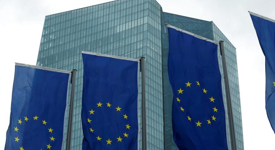 Den Europæiske Centralbank (ECB) har torsdag eftermiddag besluttet at fastholde sine rentesatser. Det skriver Ritzau Finans.