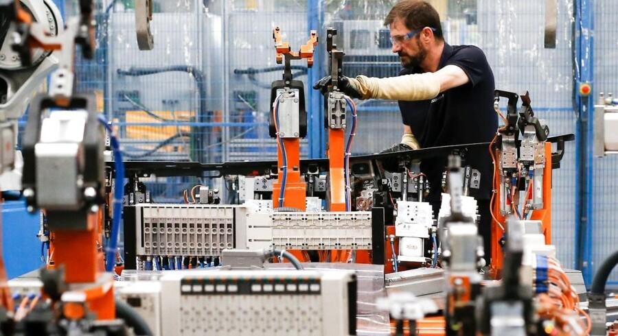 Robotterne øger danskernes produktivitet og det kan give en højere løn.