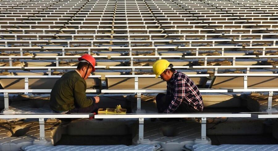 Kina bruger måske mere elektricitet end noget andet land. Men landet er nu også blevet verdens største producent af solenergi. Arkivfoto.