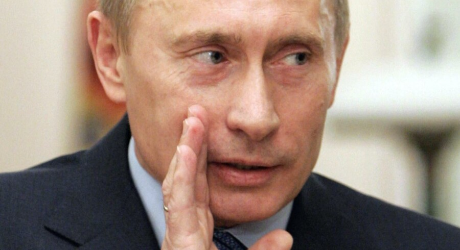 Vladimir Putin og Ruslands synspunkter blev i en længere årrække promoveret af det amerikanske PR-Bureau Ketchum, der bl.a. var medvirkende til, at matasinet Time i 2007 kårede den russiske præsident til årets person. Men i takt med at spændingerne mellem Vesten og Rusland er øget bl.a. i forbindelse med annekteringen af Krim og krisen i Ukraine, er det blevet stadig vanskeligere at repræsentere Putin. Samarbejdet med Ketchum er nu ophørt, og i stedet er det hjemlig, russiske kræfter, der står bag spredningen af budskaberne præsidenten.