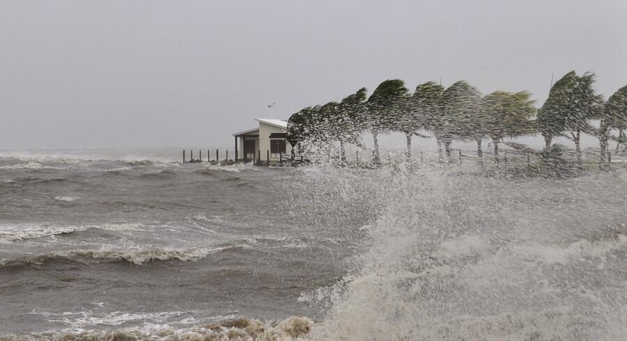 Det meteorologiske agentur i Fiji vurderer, at cyklonen Gita kan udvikle sig til en kategori fem-storm, inden den går i land i Tonga mandag aften lokal tid. Reuters/Handout/arkiv