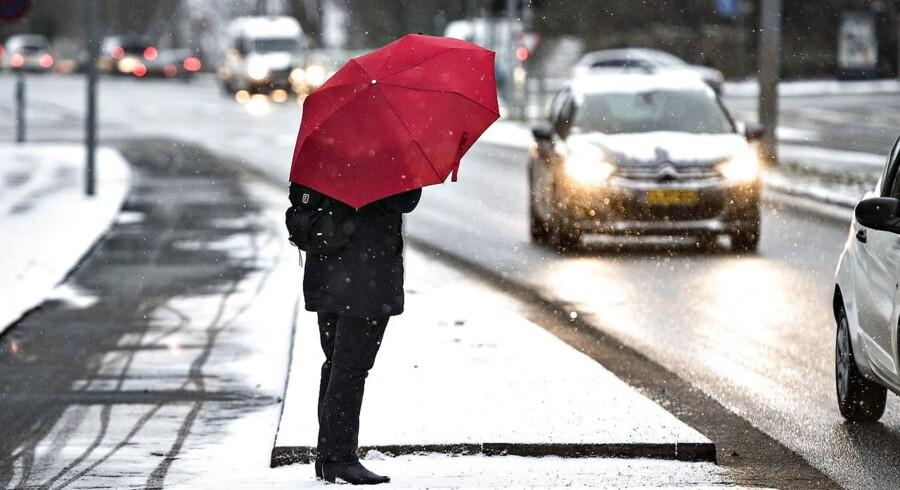 Den ekstreme kulde, der har ramt Europa den seneste uge, vil blive afløst af god gammeldags dansk kulde, siger DMI's vagthavende meteorolog.