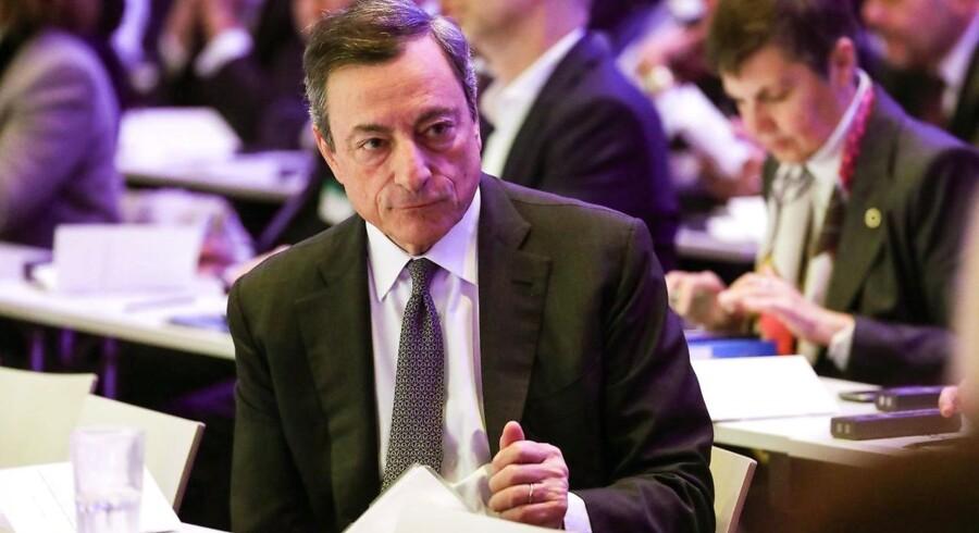 """Mario Draghi, venter, at """"velforankrede inflationsforventninger"""" kan være med til at sætte gang i lønvæksten. Arkivfoto."""