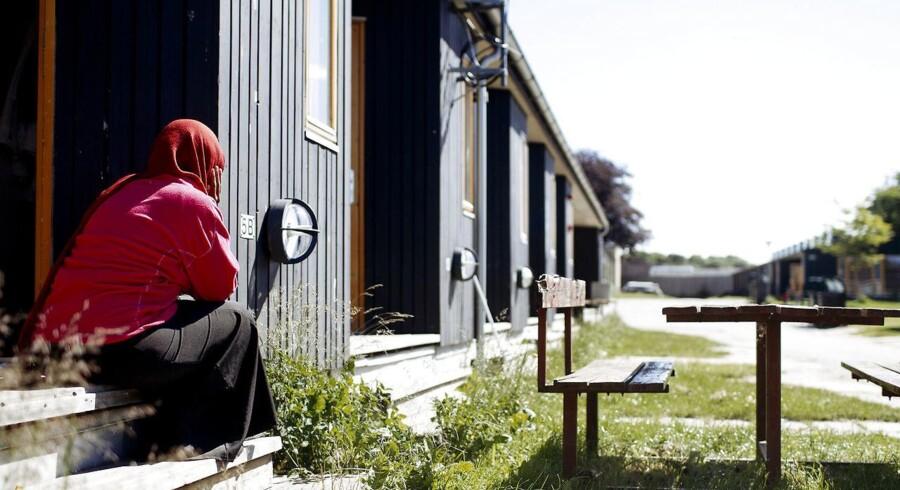 Danmark skal maksimalt give dansk statsborgerskab til 1000 udlændinge hvert år. Sådan lyder et beslutningsforslag fra Dansk Folkeparti, som torsdag er til debat i folketingssalen.