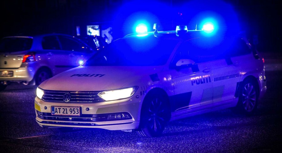 En 66-årig kvinde er i livsfare torsdag middag, efter at hun onsdag aften blev kørt ned af en bil i Aarhus.