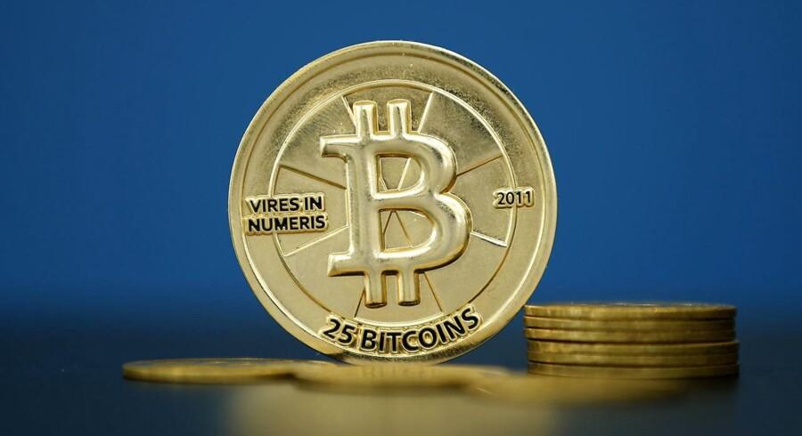 Bitcoin har passerede torsdag formiddag en milepæl, da den virtuelle valuta for første gange nogensinde blev handlet til 5.000 dollar.
