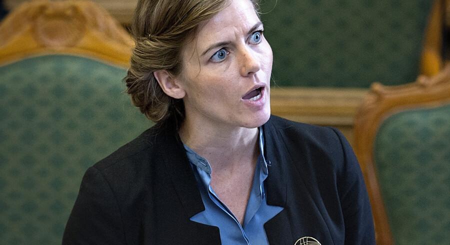 Sundhedsminister Ellen Trane Nørby (V) vil sammen med satspartierne kigge på reglerne om offentligt tilskud til stressramte. Scanpix/Keld Navntoft