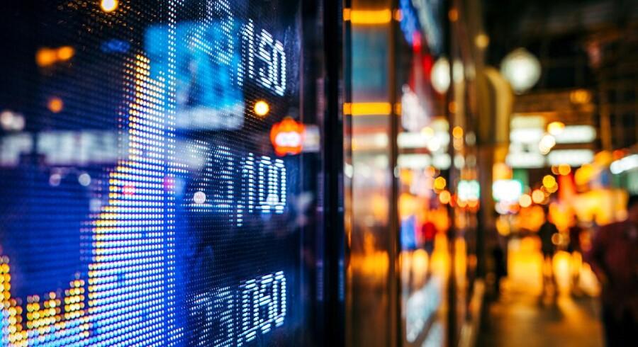 I et sjældent set omfang var store danske aktier i 2017 under angreb fra udenlandske fonde, som spekulerer i, at aktier falder i værdi. I et ellers godt dansk aktieår skabte det store kursfald.