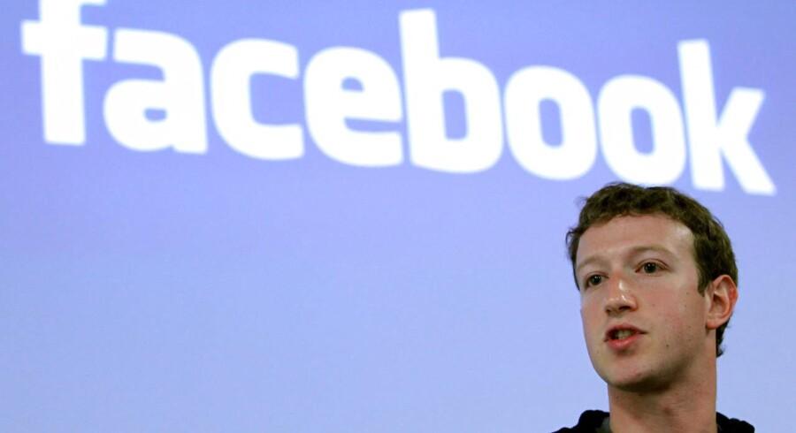 Facebook-stifter og -topchef, Mark Zuckerberg (billedet), var selv med til at ansætte den dengang kun 17-årige Michael Sayman til at hjælpe med at gøre Facebook mobilegnet. Nu skilles de to. Arkivfoto: Robert Galbraith, Reuters/Scanpix