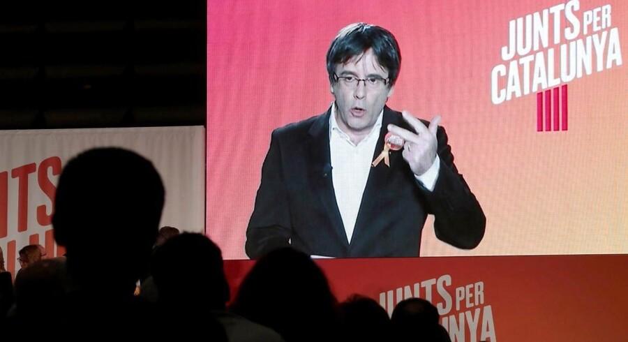 Partiet Junts per Catalunya med regionens afsatte leder, Carles Puigdemont, i spidsen, står til at vinde 25-26 pladser.