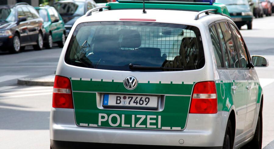 Tysk politibil på gaden i Berlin.
