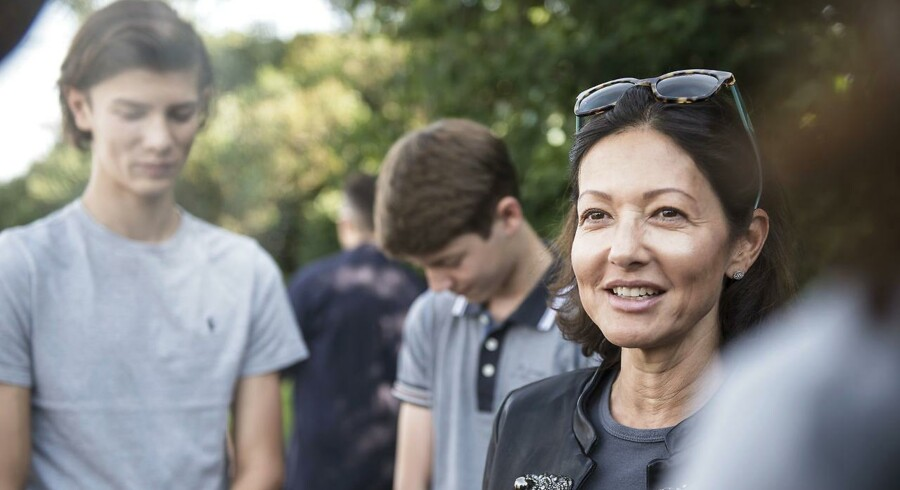 Grevinde Alexandra går, sammen med sine sønner, med ved Ecco Walkathon, der samler penge ind til SOS Børnebyerne.