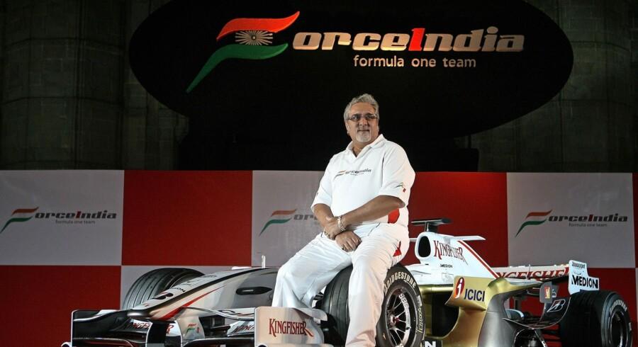 Men alt endnu gik godt – rigtigt godt – for Vijay Mallya, og han stod i spidsen for Force India. I dag er fuglen bogstaveligt talt fløjet – tilbage i Indien er kun et tilsyneladende bundløst milliardhul. Foto: Pai Pillai/AFP