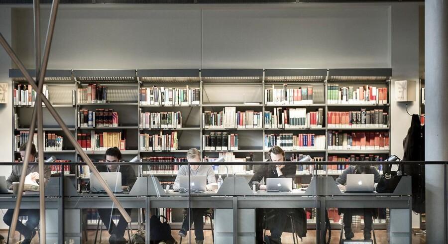 Danskernes SU-gæld efter afsluttede studier bliver ved med at vokse.