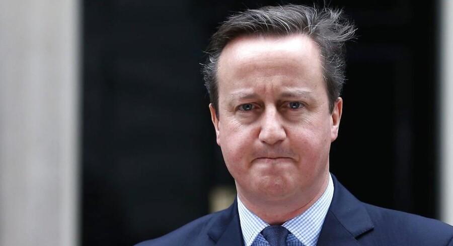 Der rettes hård kritik mod den tidligere premierminister i Storbritannien, David Cameron, og Frankrigs ekspræsident Nicholas Sarkozy for den britisk-franske intervention i Libyen i 2011.