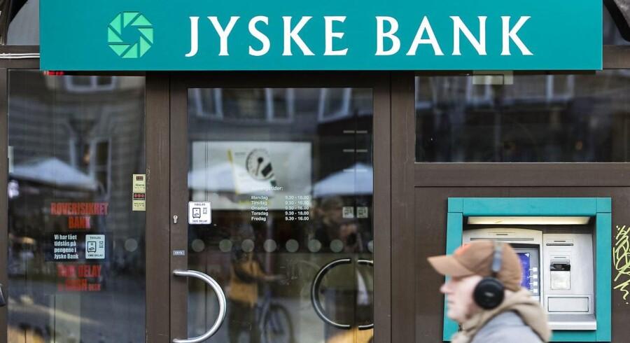 Akrivfoto: Det mest iøjefaldende i Jyske Banks regnskab er det imponerende tal på nedskrivningsposten - som både i fjerde kvartal og hele 2016 netto er en indtægt for banken takket være tilbageførsler af tidligere nedskrivninger. Det vurderer Mikkel Emil Jensen, aktieanalytiker i Sydbank.