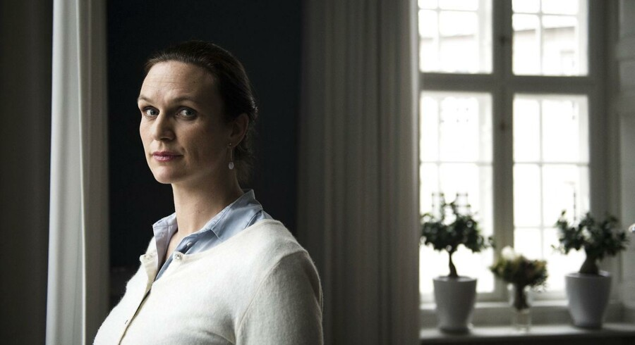 Undervisningsminister Merete Riisager kritiseres for at ville lukke klageråd for børn, der er ramt af mobning.