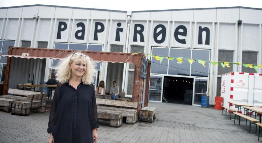 Københavns Havn har et kæmpe potentiale som kulturel platform, mener Kulturhavns leder, Nanna Sørensen, der har indtaget det nye festivalområde på Papirøen med udsigt til havneliv og Skuespilhus.