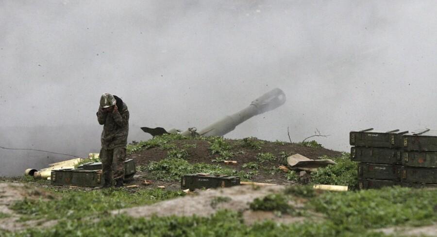 De seneste dage har der været hårde kampe ved blandt andet byen Martakert i Nagorno-Karabakh. Foto: Vahram Baghdasaryan
