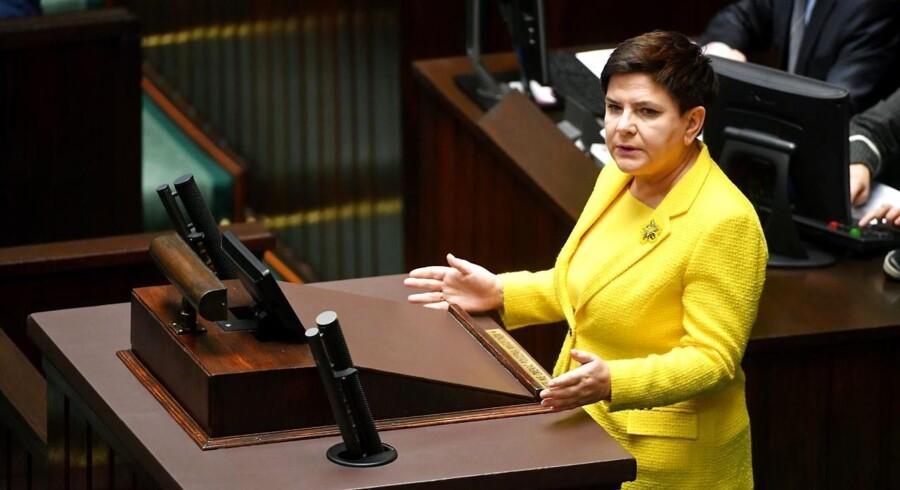 Beata Szydlo overtog premierministerposten i november 2015. Dermed har hun ledet regeringen et år mere, end Mateusz Morawiecki har været finansminister.