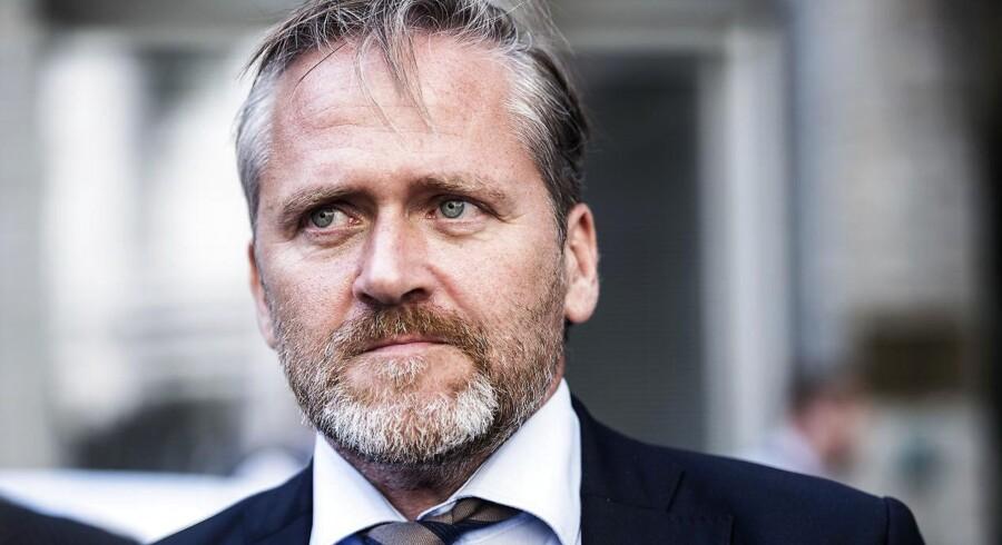 Urolighederne i Catalonien er et internt spansk anliggende, siger udenrigsminister Anders Samuelsen, som dermed afviser opfordringer om at blande sig.