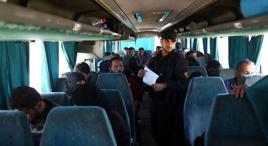 Rusland har ifølge lokale forhandlere indgået en aftale med den syriske oprørsgruppe Jaish al-Islam i Douma.