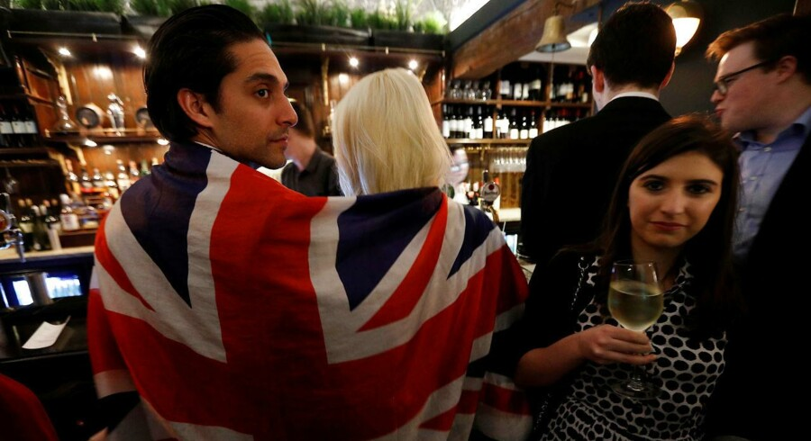 Brexit-tilhængere fejrede den officielle britiske udmeldelse af EU onsdag. Dagen efter begyndte det komplicerede arbejde med konkret at udføre beslutningen. Som den første handling fremlagde den britiske regering en plan for at kopiere tusindvis af EU-love over i den britiske lovgivning. Foto: Peter Nicholls/Reuters