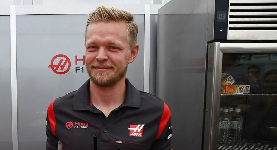 Birthday boy Kevin Magnussen (Haas-Ferrari) with cake before the 2017 Japanese Grand Prix in Suzuka den 5. oktober 2017. Photo: Grand Prix Photo