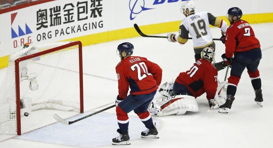 Danske Lars Eller scorede det afgørende mål i Stanley Cup-finalen i nat dansk tid og sikrede dermed en sejr på 4-3 til sit hold Washington Capitals. Målet blev scoret, da der resterede knap otte minutter af tredje periode.