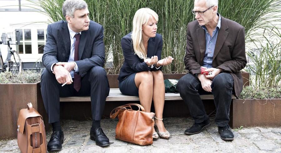 Nye Borgerliges frontduo, Peter Seier Christensen (tv) og Pernille Vermund i samtale med partiets pressechef Lars Kaaber.