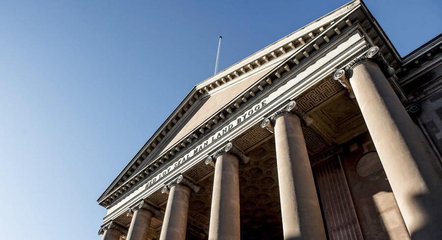 En 25-årig mand sidder onsdag på anklagebænken i Københavns Byret. Han er tiltalt for at have haft en pistol.