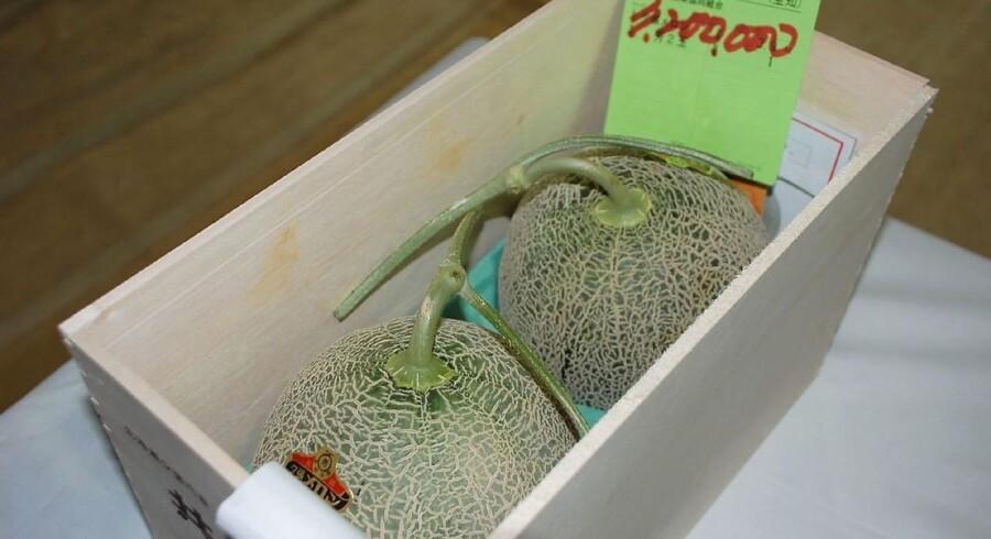 For en sum på næsten 190.000 kroner skiftede to japanske meloner i weekenden hænder på en frugtauktion.