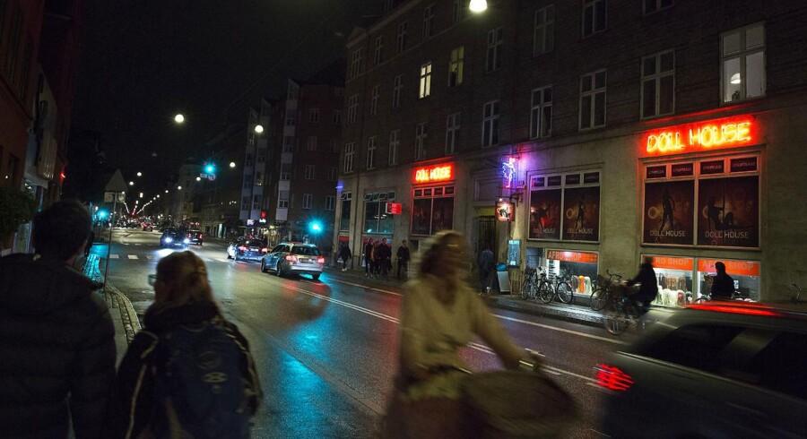 Tirsdag aften blev to personer overfaldet med knive på Istedgade på Vesterbro i København. De blev kun ramt overfladisk. Arkivfoto.