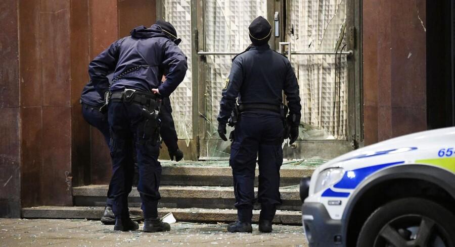 Den sydsvenske by Malmø er igen hårdt ramt af kriminalitet: En eksplosion rystede torsdag aften byens centrum, og få timer efter blev der affyret skud mod to forskellige lejligheder med en halv times mellemrum.