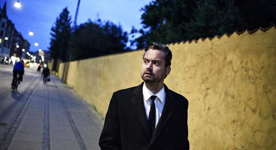 Mads Holger er aktuel med romanen »Vorherre bevares«.
