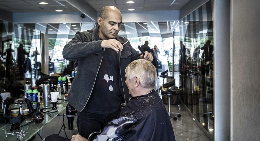 Sleiman Hassan Kandas er fra Afghanistan, har boet i Danmark i mere end 15 år og har drevet frisørsalon i Køge de sidste ti år.