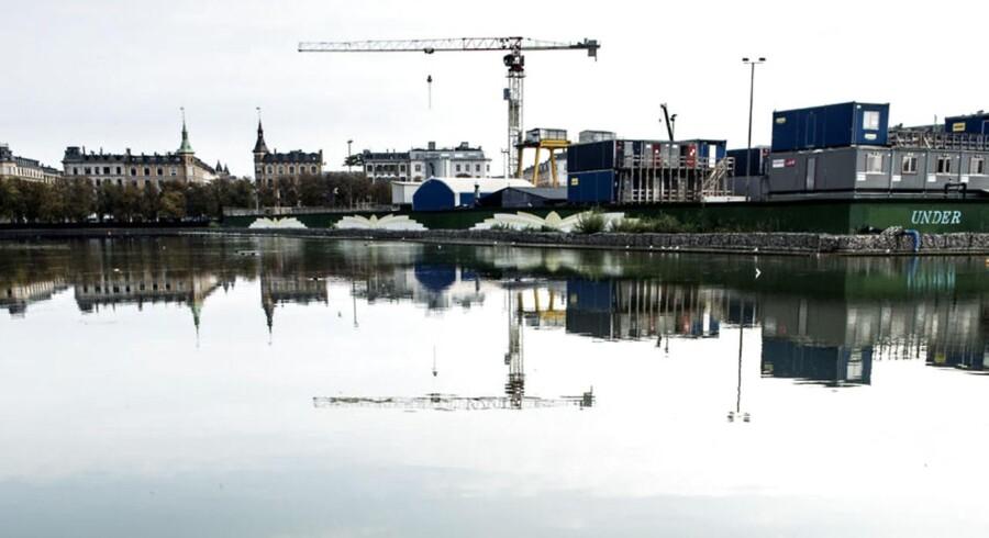 Sortedamssøen er blevet grønlig i modsætning til de andre søer, der er mere blå.