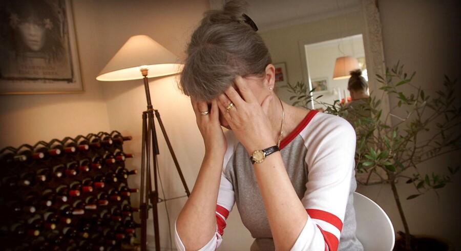 RB PLUS Infektioner øger risiko for psykisk sygdom- - MODELFOTO af kvinde med depression- - Se RB 29/1 2017 13.00. En infektion kan være irriterende nok. Men det viser sig nu, at selv lette infektioner også kan øge risikoen for svær psykisk sygdom. (Foto: JØRGEN JESSEN/Scanpix 2017)