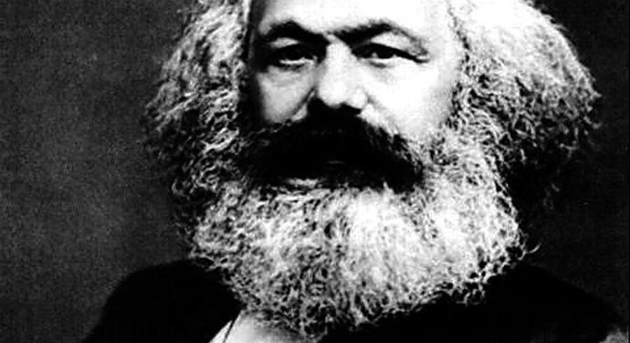 Karl Marx mente, at kapitalismen ville bryde sammen under monopolers fremkomst. Monopolerne er kommet, men fra politisk hold forsøger man løbende at slå dem ned.