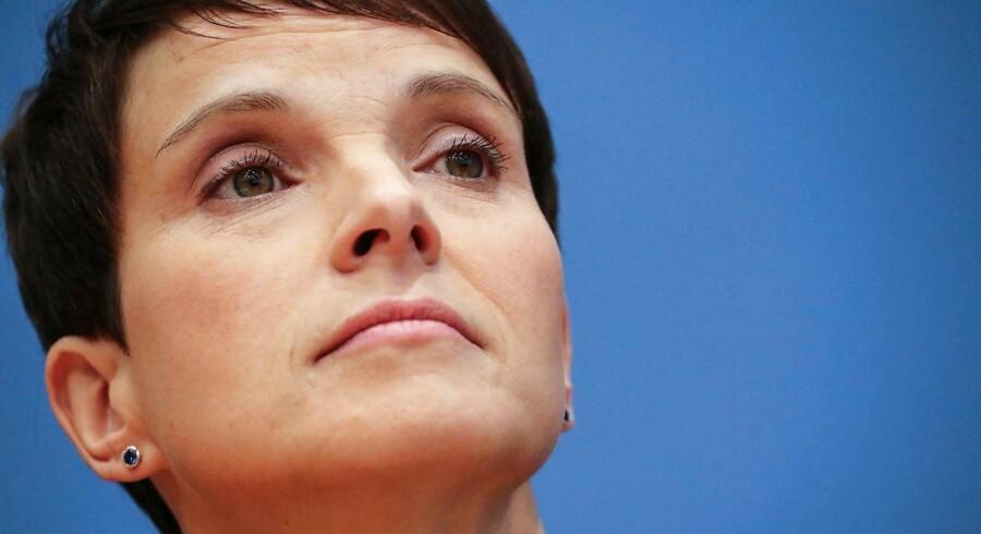 Efter søndagens valg har partiformand Frauke Petry forladt Alternative für Deutschland. Nu pønser Petry tilsyneladende på at stifte nyt højreparti.