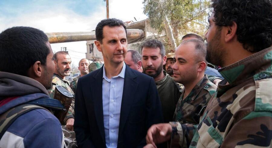 Tyskland tager stærkt afstand fra kemisk angreb i Syrien. Rusland mener, angrebet er usandt og en provokation.