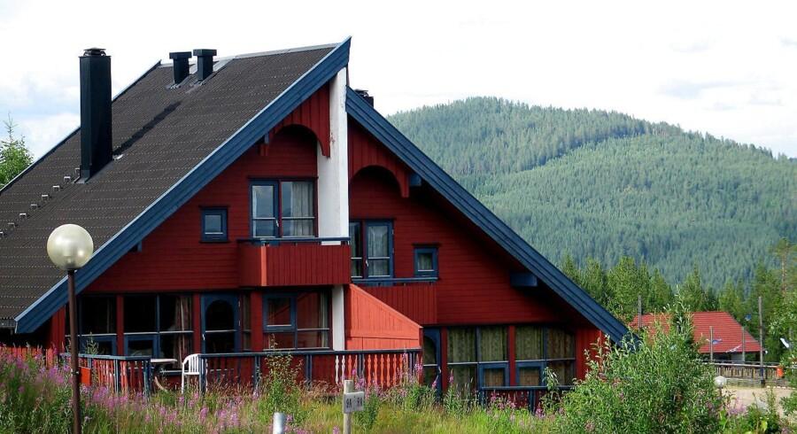Boligpriserne i Norge faldt 1,6 procent i juni alene, viser ny statistik fra mæglerbranchen.