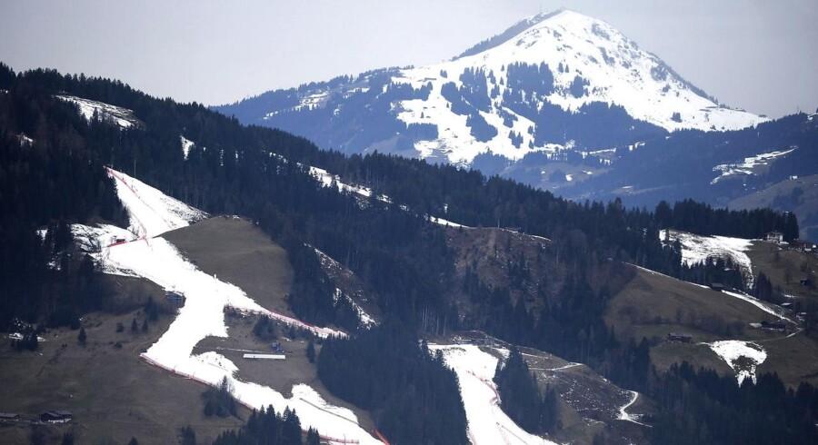 Sådan så der ud i den østrigske skisportsby Kitzbühel før det alpine world cup i styrtløb i januar 2014.