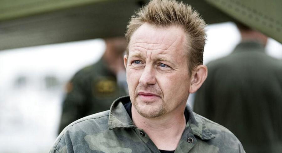 Inden retssagen kom det frem, at den drabssigtede Peter Madsen vil erkende i retten, at han har gjort sig skyldig i »usømmelig omgang med lig« ved at begrave svenske Kim Wall til søs.