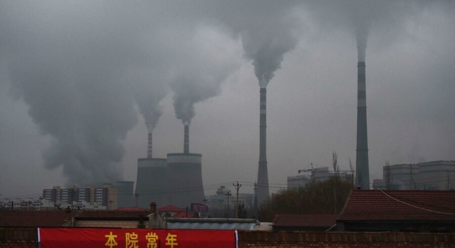 Den beregnede stigning i årets globale CO2-udledninger skyldes især øget kulkraft i Kina. Her et kulkraftværk i Kinas nordlige Shanxi-provins.